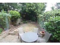 Spacious ground floor 2 double bedroom 2 bathroom garden flat. Cavendish Avenue n3 Own garden