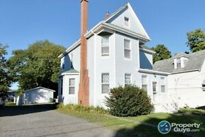 Immaculate 3 Bed Home with Garage & Fenced Yard - Priced to SELL