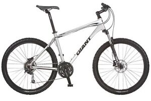 Giant Talon 2 Mountain Bike Large, With Brand New Helmet Scarborough Stirling Area Preview