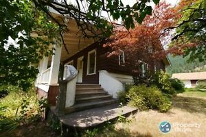 5 bed heritage home with river views in Castlegar ID 197546