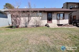 Cozy 4 bed/3 bath Bungalow. Great Price!