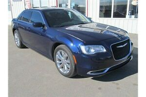 2015 Chrysler 300 Touring AWD / Touring / NAV