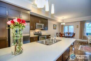 Sensational 2 level 2 Bed Corner Unit Condo. Agents @ 2.5%