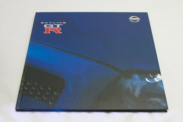 R34 NISSAN SKYLINE GT-R V-spec II Japan Hardcover Brochure 2000 Prospekt