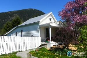 Character home in central location New Denver 197266