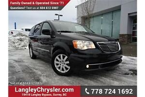 2016 Chrysler Town & Country Touring ACCIDENT FREE w/ POWER S...