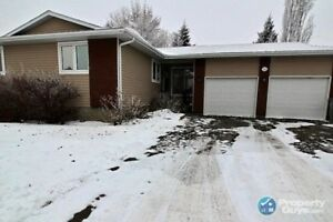 Great family home with lots of renos and close to schools
