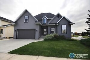 LUXURY HOME in Carstairs. 4 bed/4 bath, over 4100 sq ft.