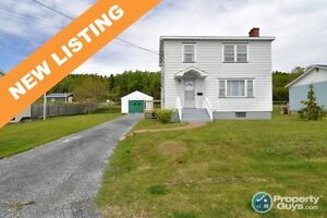 NEW LISTING! Many recent updates, large lot, spacious bedrooms