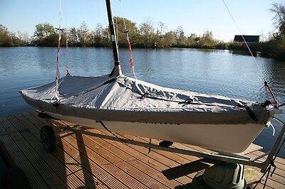 Laser 2 Sailing Boat Dinghy Cover c/w 4 adjustable tie down straps mast up