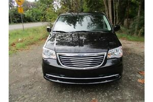2016 Chrysler Town & Country Touring-L Comox / Courtenay / Cumberland Comox Valley Area image 2