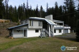 Family home with business potential in Edgewood ID 196901