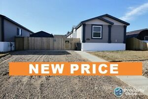 New Price!!!! Fantastic Mobile Home, Large lot, only 4 yrs old