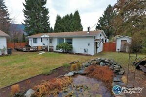 Newly renovated 4 bedroom home in Blueberry-Castlegar 198300
