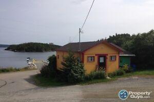 House & cottage on same ocean front property