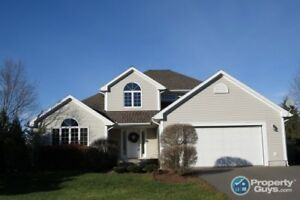 Beautiful 4 Bed home in sought after Valley neighborhood