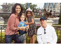 BRUCE WILLIS, Very rare family photo with autograph!