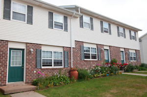 Looking for roomate starting Mid-May In Browns Court