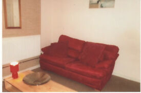 To rent very large 4 bed spacious house in Clayton £900 PCM key location to city centre and uni