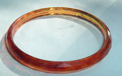 VINTAGE FACETED ROOT BEER LUCITE BANGLE BRACELET IN GIFT BOX - Beer Box Costume