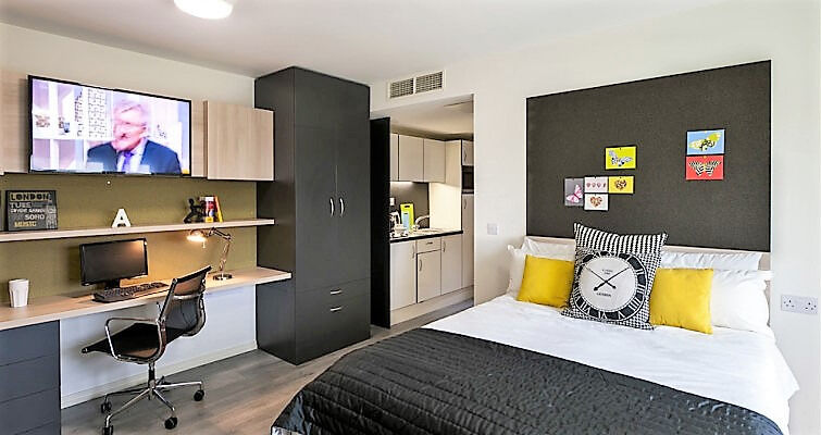 Student accommodation! Has everything a student needs, located a stone throw to North Acton station