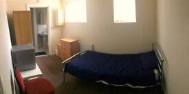 1 bedroom in Western Lodge Sedgeborough Road, Whalley Range, Manchester, M16