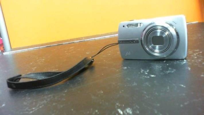 Olympus Hyper Crystal LCD Camera