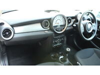 MINI CLUBMAN COOPER D (white) 2011