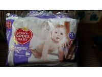 23 nappies of size 3