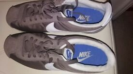 Mens size 8.5 nike cortez trainers
