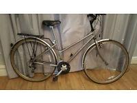 ladies raleigh hybrid/road bike