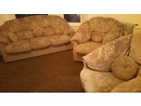 Three Pieces Sofa Set Matching 3 seater & 2 Sofa Armchiars really comfy clean removable covers