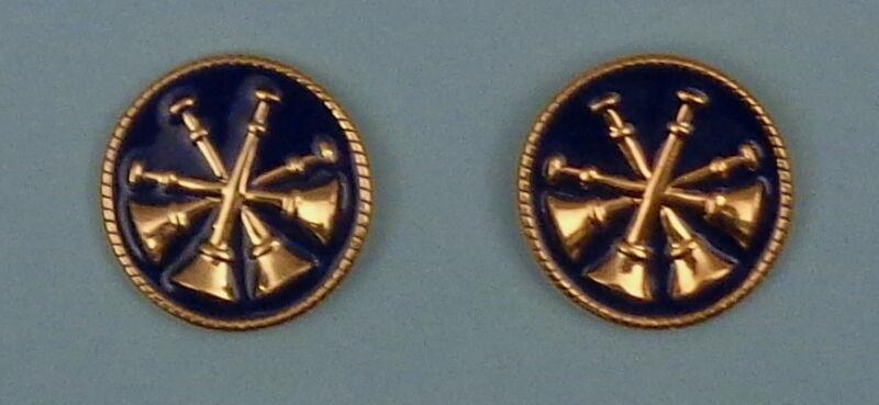 "4 Bugles CROSSED 2 Fire CHIEF/DEPUTY GOLD & BLUE Discs Collar/Lapel Pins 1"""