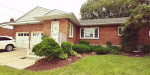 1291 sq ft Brick Bungalow that's move in ready