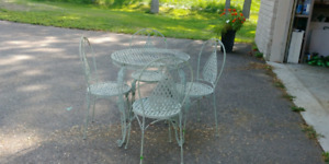 Garden/cafe table and chair set