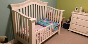 2-in-1 convertible crib/toddler bed - AMAZING PRICE!