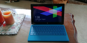 Microsoft 32 GB surface tablet