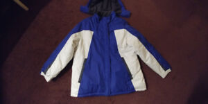 Winter Jacket with Hoodie - Mint Condition