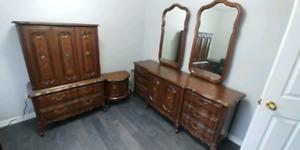 French provincial Dresser Set