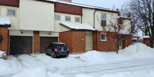 Beautiful & Spacious Townhome Condo in North London