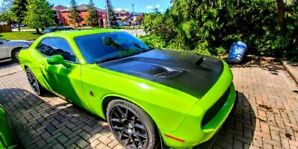 Challenger Scat pack 392, Sublime green.
