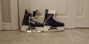 Barely Used Bauer Skates - size 7R