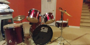 Drum kit from long and mcquade