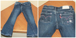 SIZE 4 TODDLER GIRLS LEVIS JEANS