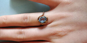 Vintage aquamarine 10k yellow gold ring
