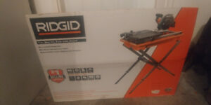 RIDGID 9-Amp 7-inch Portable Wet Tile Saw with Stand