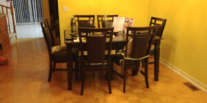 Extendable Solid Wood Dining Table + 6 Chairs
