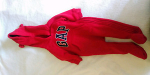 Gap Hooded Bunting