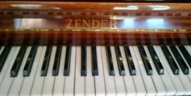 Zender mini piano and dual stool