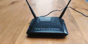D-Link Wireless N Dual-Band Router (DIR-815), LIKE NEW ONLY $20
